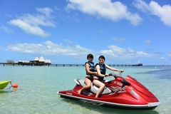 【メトル】水上オートバイ
