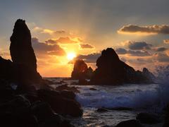 【ソプチコジ】溶岩が海に流れ出し、そのまま冷えて固まった岬