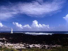 【表善灯台】ドラマ『アイリス』の撮影地となった白い灯台