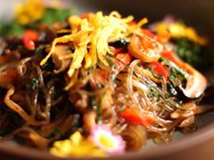 【瑶石宮(ハルセキキュウ)】本格的な宮廷料理が食べられる
