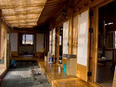 【サランチェ】韓国伝統のお屋敷でお食事を