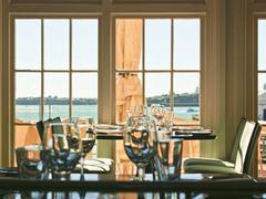 【ハーバーサイド・オーシャン・バー・グリル】当レストランが併設されているフェリー・ビルディングの外観