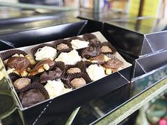 【カイルア・キャンディ・カンパニー】店内で作られているチョコレート