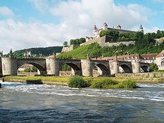 【アルテ・マイン橋】アルテ・マイン橋の全景