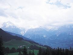 【ブスアルプ】名峰が並ぶ素晴らしい景観が楽しめる