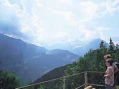 【グリュッチアルプ駅】山々の眺めを楽しんでからミューレンへの電車に乗り込もう
