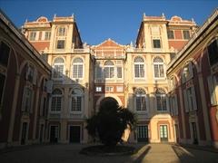 【王宮】中庭の見学は無料