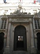 【トゥルシ宮】入口にはMunicipio (市庁舎)と記されている