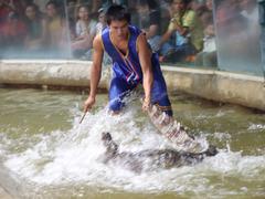 【シーラチャー・タイガー動物園】迫力満点クロコダイルショー