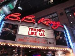 【B.B.キング・ブルース・クラブ・アンド・グリル】看板にBBキングの写真