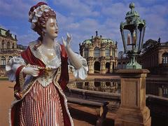 【ドレスデン・ポルツェラン】ツヴィンガー宮殿の貴婦人像