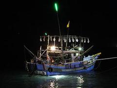 【基隆(キールン)】小巻(小さいイカ)釣り船