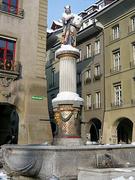 【モーゼの噴水】ミュンスター広場の一角に立つ