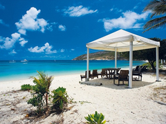 【リザード島】島内に点在する美しいビーチ