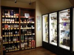 【アスター・ワイン・アンド・スピリッツ】日本酒専用のコーナーもあり