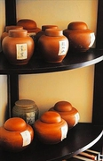 【紫藤廬(ズータンルー)】季節ごとにセレクトされた台湾茶が並ぶ