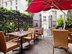 【ムーラン・ドゥ・ラ・ギャレット】風車が目印の、ルノワールも描いたモンマルトルの有名レストラン