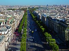 【シャンゼリゼ大通り】パリに来たなら一度は歩いてみたい