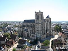 【サンテティエンヌ大聖堂】様々な様式が混在する大聖堂