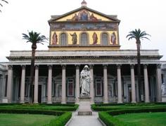 【サン・パオロ・フオーリ・ムーラ大聖堂】教会外観 クレジット