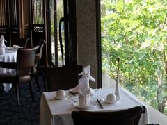 【クリスタル・ジェイド】ランチ、ディナーともに贅沢なひと時を