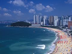 【海雲台(カイウンダイ)】「世界一パラソルの多い海水浴場」としてギネスブックにも登録された