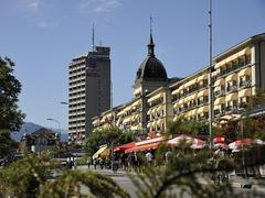【ヘーエ通り】大型ホテルなどが建ち並ぶ