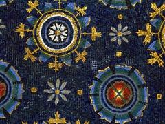 【ガッラ・プラチディア霊廟】美しい絵柄のモザイク
