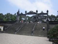 カイ・ディン帝廟