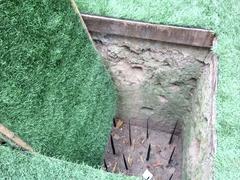 【クチ・トンネル】落とし穴。槍には毒が塗られてある