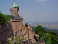 【オー・クニグスブール城】塔の上から見えるアルザスの大平野
