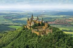【ホーエンツォレルン城】空から見たホーエンツォレルン城の全景