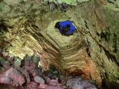 【カステッラーナの鍾乳洞】洞窟の中から見上げる外の景色