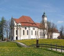 【ヴィース教会】1745年から1754年の間に建てられたヴィース教会の南側外観
