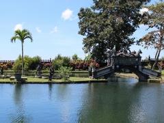 【タマン・ティルタ・ガンガ】王様の離宮として造られた水の庭園