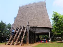 【民族学博物館】その高さ19mのバーナー族の集会場