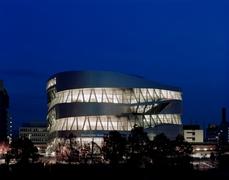 【メルセデス・ベンツ博物館】メルセデスベンツ博物館の全景