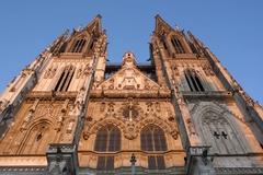 【聖ペーター大聖堂】見上げるとますます偉大