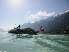 【ブリエンツ湖】遊覧船は湖観光のハイライトのひとつ