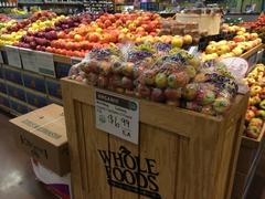 【ホールフーズ・マーケット】フルーツなどオーガニック食品がたくさん