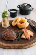 【エクイノックス・レストラン】アンガス・ビーフのステーキ