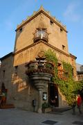 【スペイン村】夜はクラブがオープン、遅くまでにぎわう
