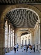 【スペイン広場】広い回廊を歩くのも楽しみだ
