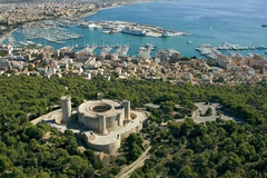 【ベルヴェル城】城の外観 (c) Ajuntament de Palma de Mallorca