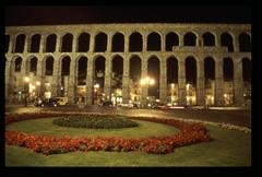 【ローマ水道橋】古代ローマ時代に築かれた水道橋 © Ayuntamiento de Segovia-Empresa