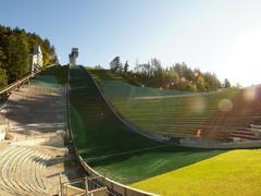 【ベルクイーゼル・スキージャンプ競技場】下から見たジャンプ台