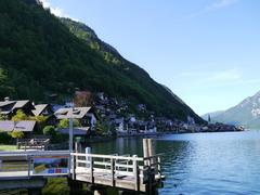 【ハルシュタット湖】美しい山と街を映す湖