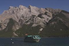 【レイク・ミネワンカ】夏は遊覧船が人気のアトラクションだ