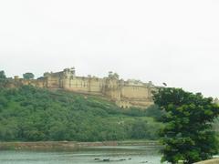 【アンベール城】丘の下からみたアンベール城