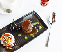 【コロニアル・トラムカー・レストラン】洗練されたデザート